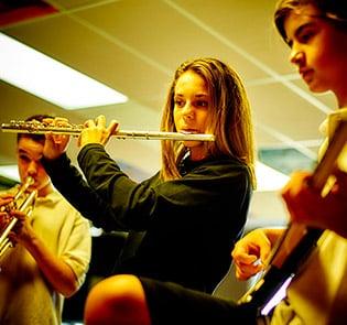 Collège-Trinité-Saint-Bruno-de-Montarville-Étudiants-dans-l'harmonie